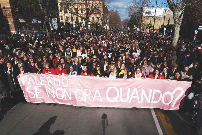 RUBY: DONNE; A PALERMO PARTITO CORTEO, SONO IN MIGLIAIA