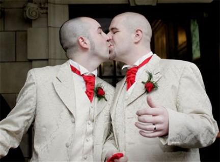 Matrimonio In Inghilterra : Matrimoni gay in chiesa la proposta dell inghilterra