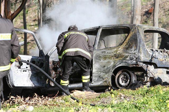 auto-bruciata-alfano