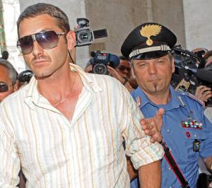 300x01310757569663parolisi_arrestato