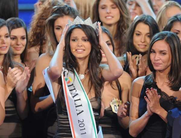 http://www.donna10.it/wp-content/uploads/2011/09/miss-italia-2011-stefania-bivone.jpg