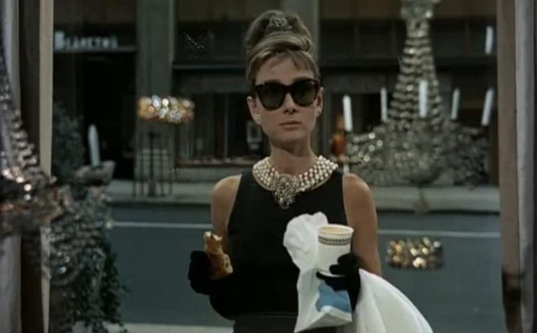 Audrey_Hepburn_-_Tubino_nero