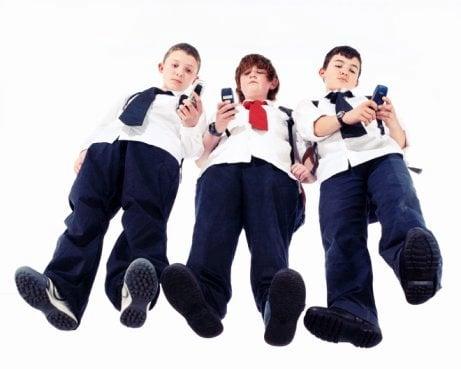 dipendenza adolescenti internet telefoni
