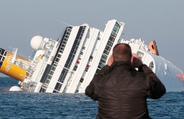 costa-concordia-turismo dell'orrore