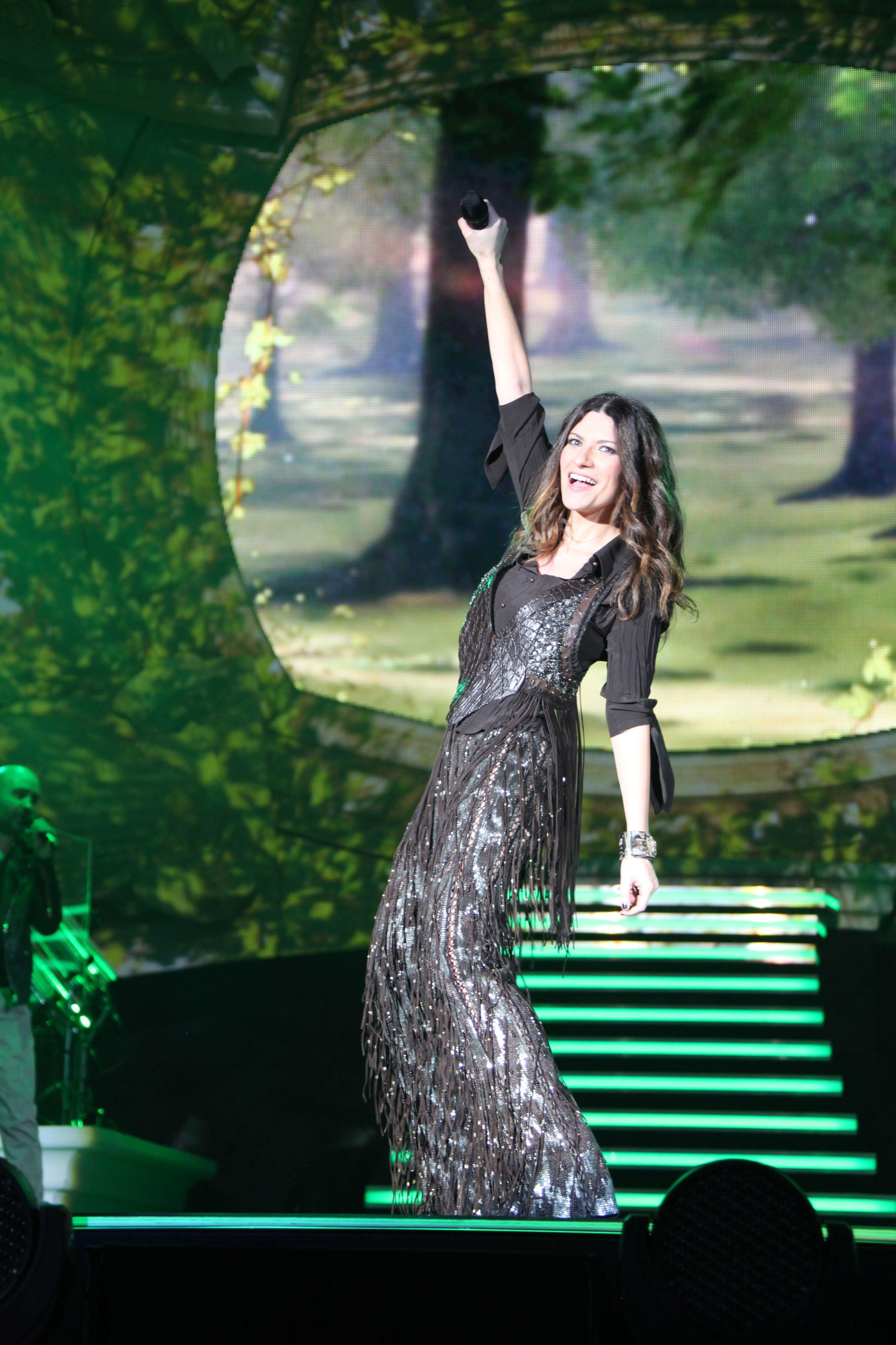 laura pausini world tour 2
