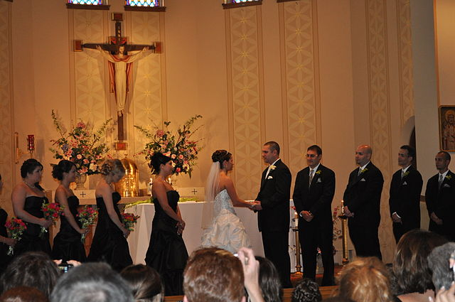 640px-Catholic_wedding