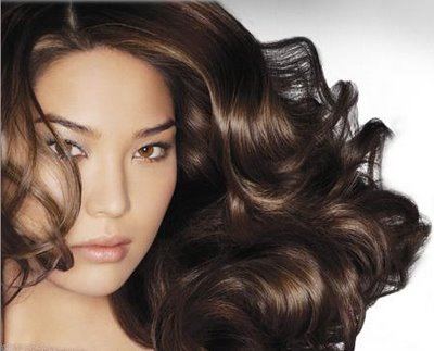 Cura dei capelli in autunno e i rimedi naturali