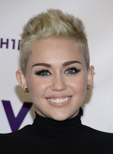 Look delle star, copia il make up di Miley Cyrus!