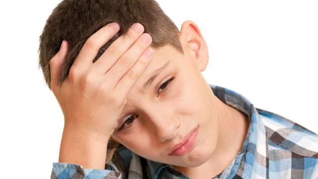 Bambini e mal di testa: cause e rimedi