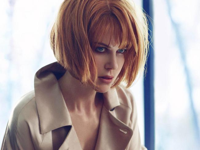 Nicole Kidman cambia look: caschetto rosso per Jimmy Choo