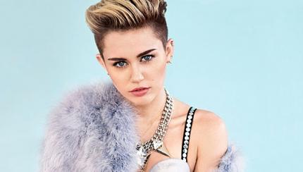 Miley-Cyrus-per-Cosmo-430x244