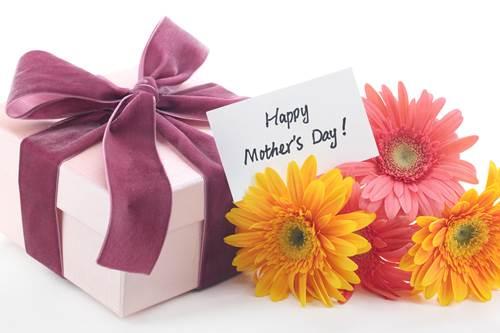 Frasi d'auguri celebri per la Festa della mamma