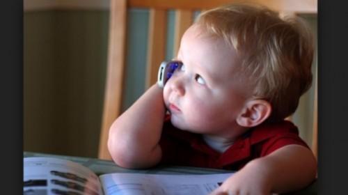 bambino-a-telefono-630x354