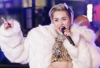 Miley Cyrus ancora in ospedale sempre più triste