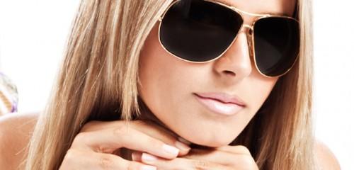 Risultati immagini per donne con occhiali da sole