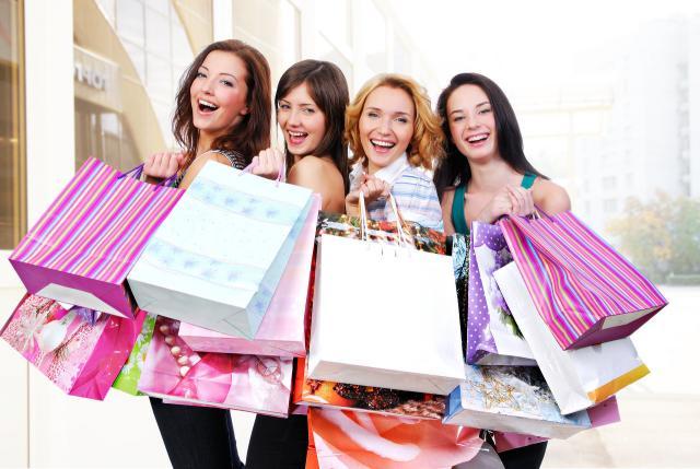 Mamme italiane, con lo shopping tornano donne