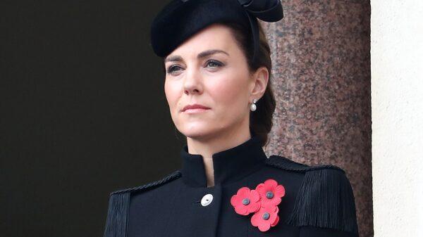 Perché la Regina Elisabetta ha prestato i suoi orecchini a Kate Middleton