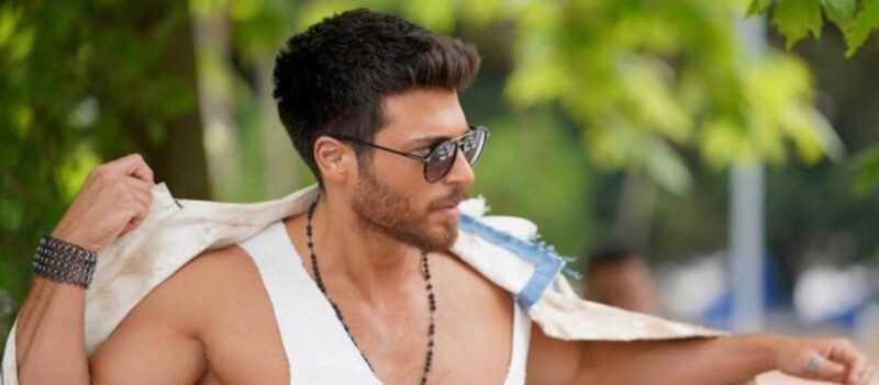 Can Yaman, torna in TV con Mr Wrong