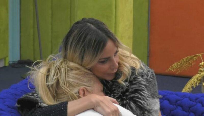 GF Vip, Maria Teresa umiliata: Stefania la consola