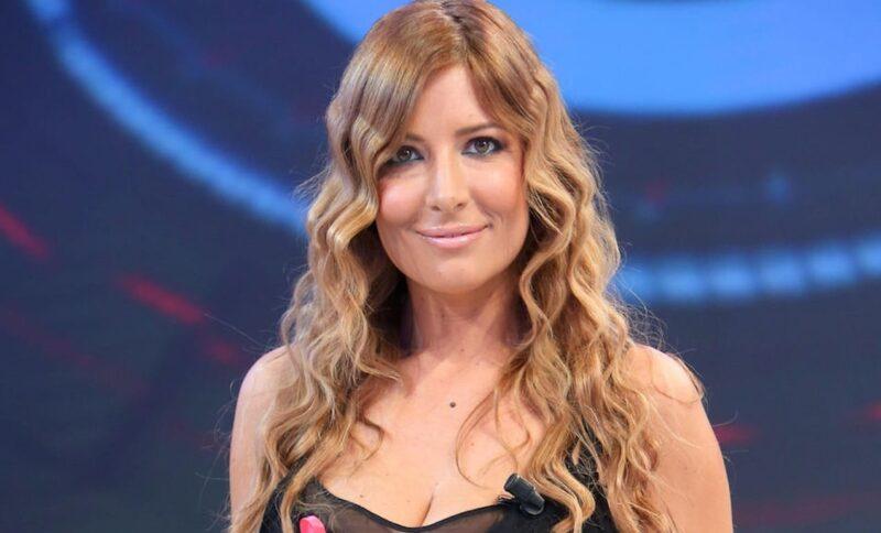 Selvaggia Lucarelli: commenta Sanremo e premia la De Angelis