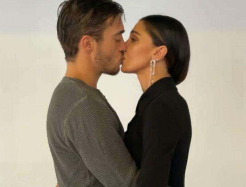 Belen: set fotografico al bacio con Antonino