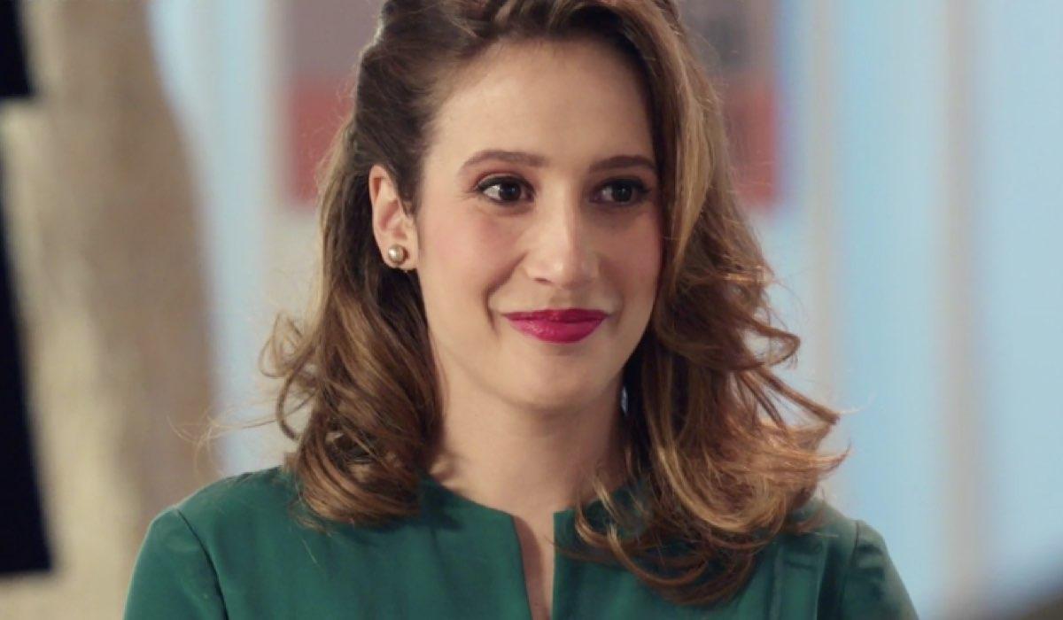 Il-Paradiso-delle-Signore-4-Dora-Vianello-interpretata-da-Mariavittoria-Cozzella-qui-nella-puntata-91-Credits-RAI