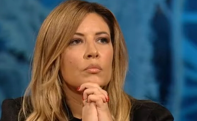 "Selvaggia Lucarelli sconvolta: ""A Mediaset dovreste vergognarvi"""