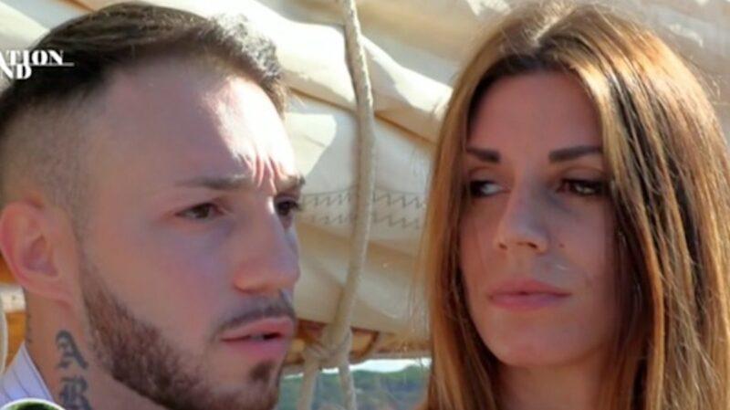 """Temptation Island, Alessandro senza rimpianti: """"ho bisogno di Carlotta vicino a me""""."""