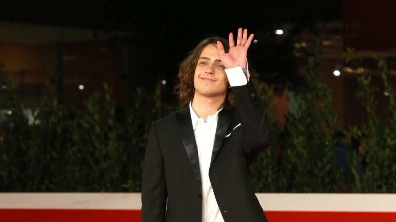 Sangivanni: lo stravagante outfit al Festival del cinema di Roma