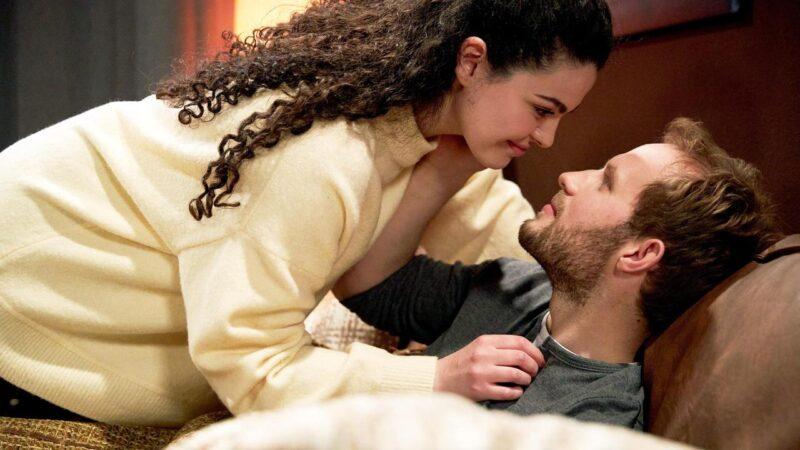 Tempesta d'amore anticipazioni oggi 26 Ottobre: il corteggiamento di Max